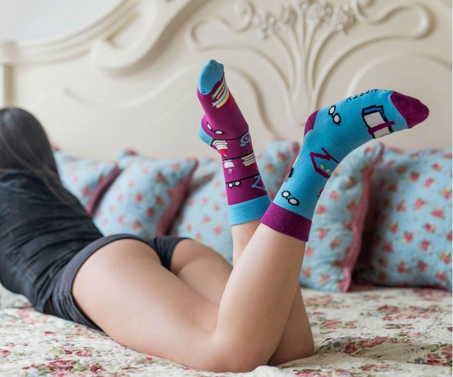 Veselé ponožky dostali vo svete dospelých áno